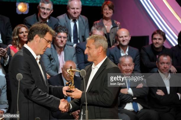 Laurent BLANC / Bernard CASONI Meilleur entraineur Ligue 2 Trophee UNFP 2011