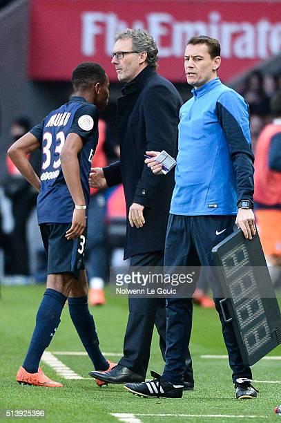 Laurent Blanc coach of Paris Saint Germain and Christopher Nkunku of Paris Saint Germain during the French Ligue 1 match between Paris SaintGermain v...