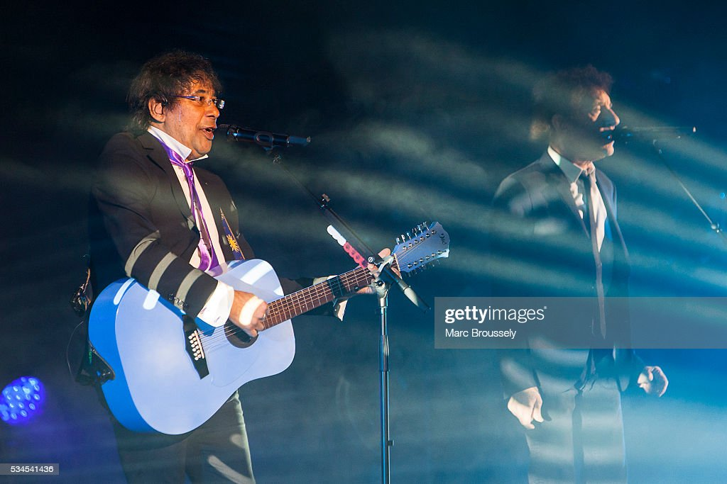 Laurent Voulzy (L) and <a gi-track='captionPersonalityLinkClicked' href=/galleries/search?phrase=Alain+Souchon&family=editorial&specificpeople=866908 ng-click='$event.stopPropagation()'>Alain Souchon</a> perform live on stage at Eventim Apollo on May 26, 2016 in London, England.