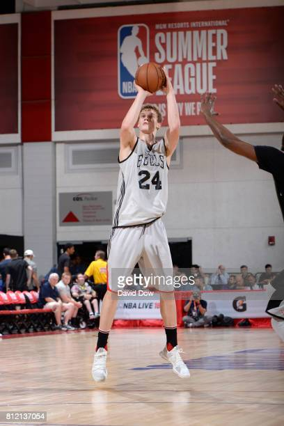 Lauri Markkanen of the Chicago Bulls shoots the ball against the Atlanta Hawks during the 2017 Las Vegas Summer League on July 10 2017 at the Cox...