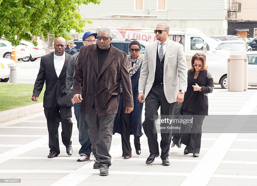 <a gi-track='captionPersonalityLinkClicked' href=/galleries/search?phrase=Lauryn+Hill+-+Singer&family=editorial&specificpeople=216477 ng-click='$event.stopPropagation()'>Lauryn Hill</a> arrives at court on May 6, 2013 in Newark, New Jersey. Hill plead guilty to tax evasion charges in June 2012 for failure to pay federal taxes on $1.8 million earned from 2005-2007. She faces a maximum one-year jail sentence for each of the three accounts. The sentencing date was postponed from April 22nd.