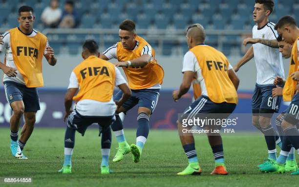 Lautaro Martinez of Argentina warms up with his teanm mates during the FIFA U20 World Cup Korea Republic 2017 group A match between Guinea and...