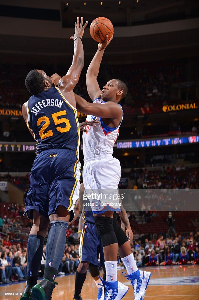 Lavoy Allen #50 of the Philadelphia 76ers shoots against Al Jefferson #25 of the Utah Jazz at the Wells Fargo Center on November 16, 2012 in Philadelphia, Pennsylvania.