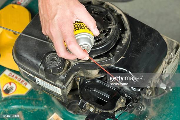 Lawnmower Carburateur nettoyage avec éclaboussure