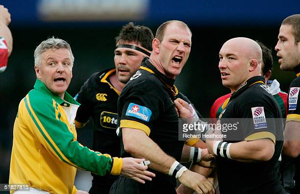 Lawrence Dallaglio of London Wasps vents his frustration afterf ighting with Martin Corry of Leicester Tigers during the Heineken Cup match between...