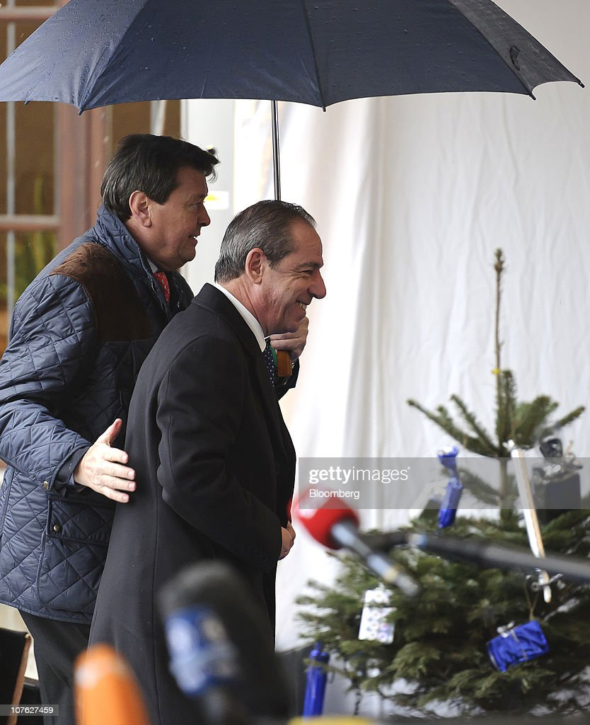 <a gi-track='captionPersonalityLinkClicked' href=/galleries/search?phrase=Lawrence+Gonzi&family=editorial&specificpeople=568017 ng-click='$event.stopPropagation()'>Lawrence Gonzi</a>, Malta's prime minister, right, arrives for the European People's Party (EPP) meeting ahead of the European Union leaders summit in Meise, Belgium, on Thursday, Dec. 16, 2010. European Union divisions widened over how to contain the debt contagion that threatens the euro, limiting a summit starting today to agreeing on a crisis-management mechanism that takes effect in 2013. Photographer: Jock Fistick/Bloomberg via Getty Images