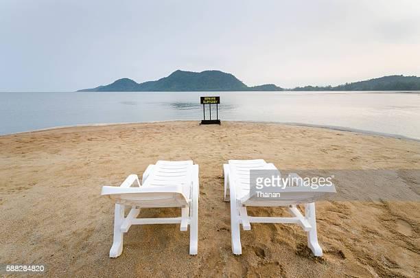 Lay down on the beach