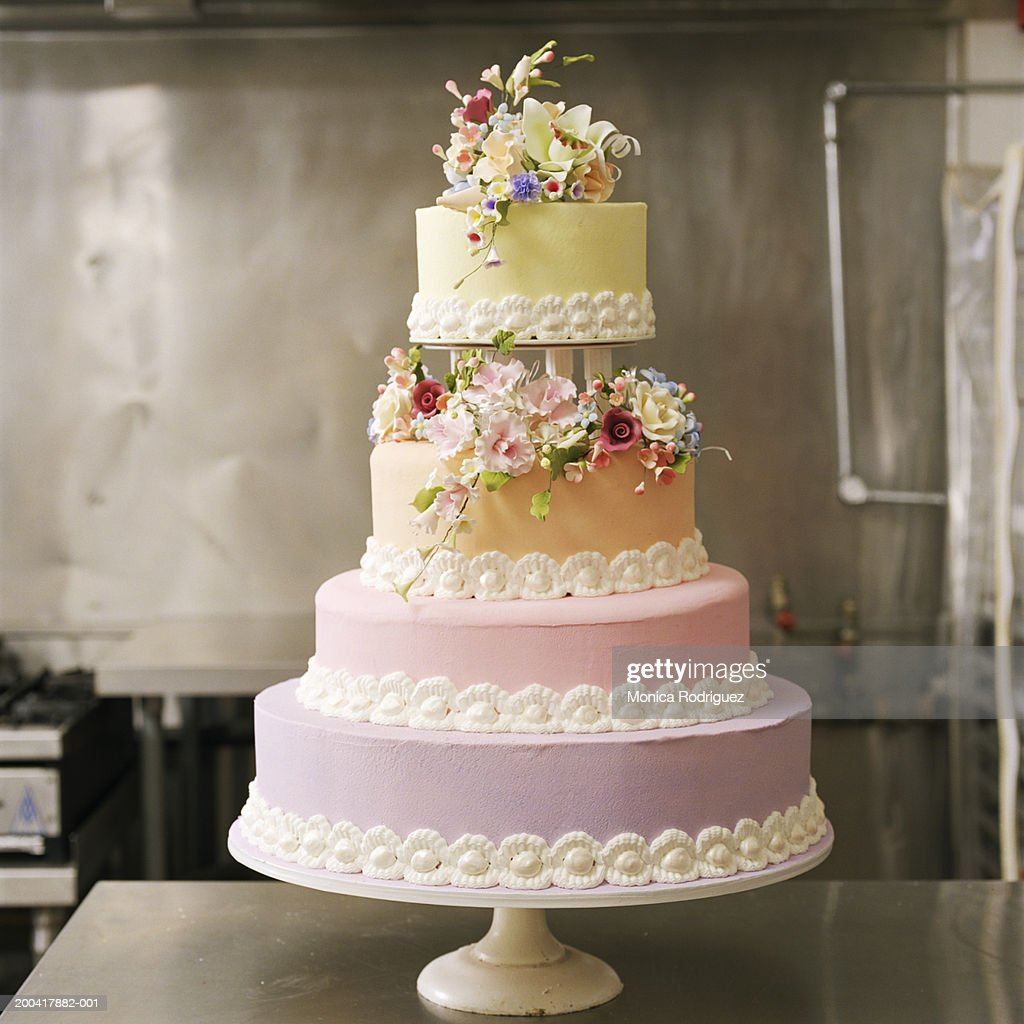 4 layer wedding cake : Stock Photo