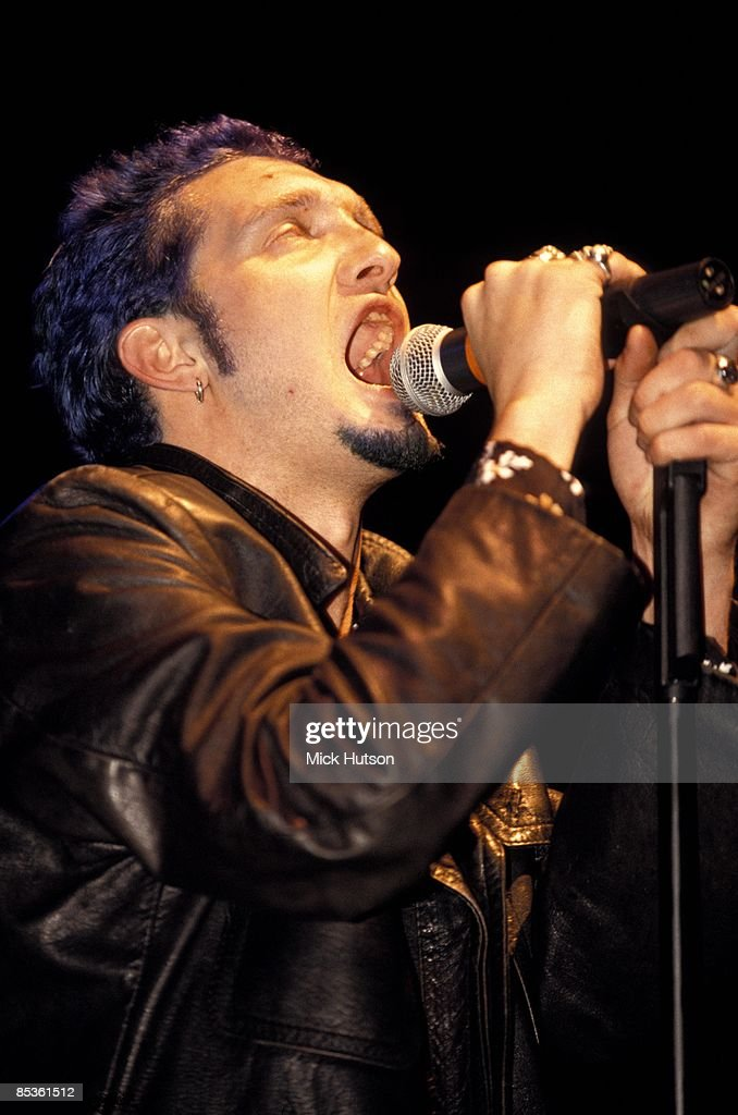 Layne Staley (1967-2002) from rock group Alice In Chains performs live on stage circa 1993.