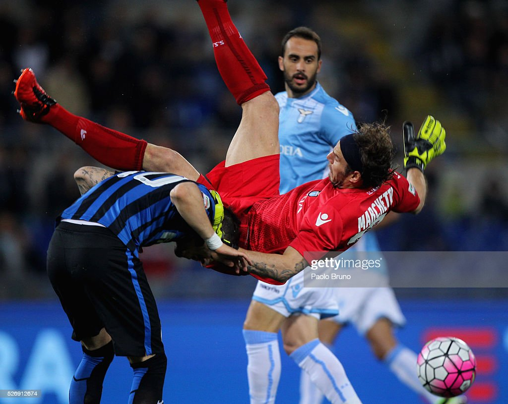 SS Lazio goalkeeper Federico Marchetti competes for the ball with Stevan Jovetic of FC Internazionale Milano during the Serie A match between SS Lazio and FC Internazionale Milano at Stadio Olimpico on May 1, 2016 in Rome, Italy.