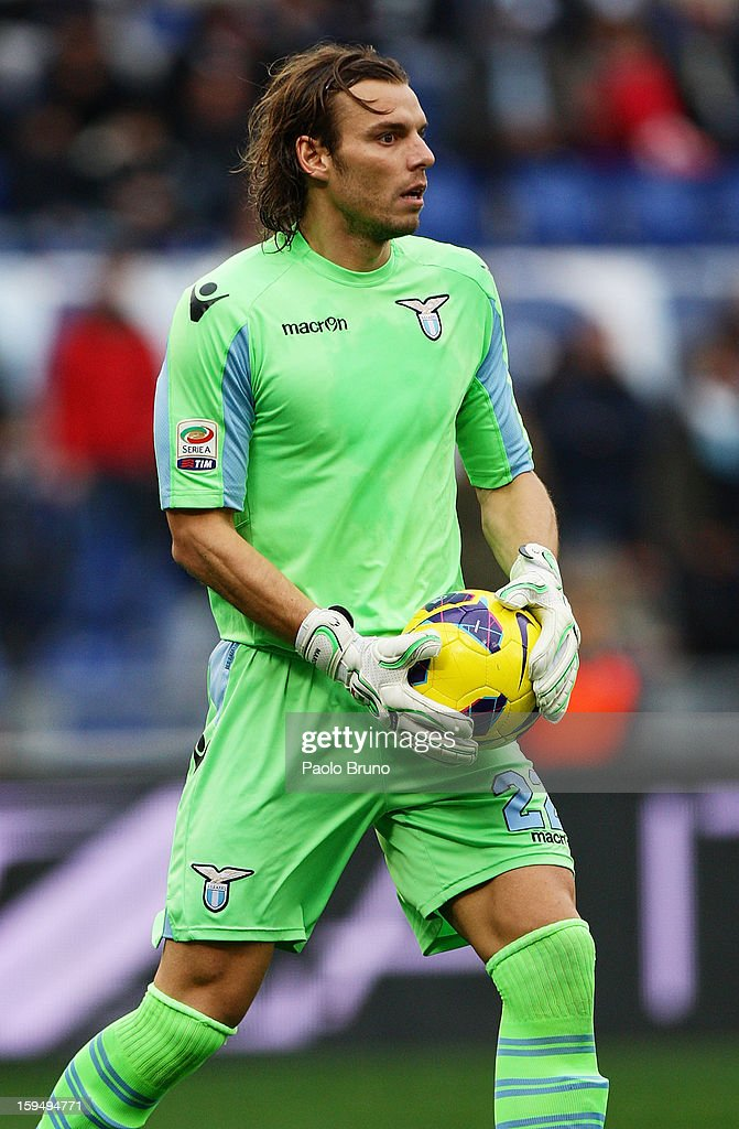 S.S. Lazio goalkeeper <a gi-track='captionPersonalityLinkClicked' href=/galleries/search?phrase=Federico+Marchetti+-+Soccer+Player&family=editorial&specificpeople=15029741 ng-click='$event.stopPropagation()'>Federico Marchetti</a> in action during the Serie A match between S.S. Lazio and Atalanta BC at Stadio Olimpico on January 13, 2013 in Rome, Italy.