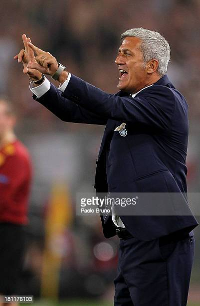Lazio head coach Vladimir Petkovic gestures during the Uefa Europa League Group J match between SS Lazio and Legia Warszawa at Stadio Olimpico on...
