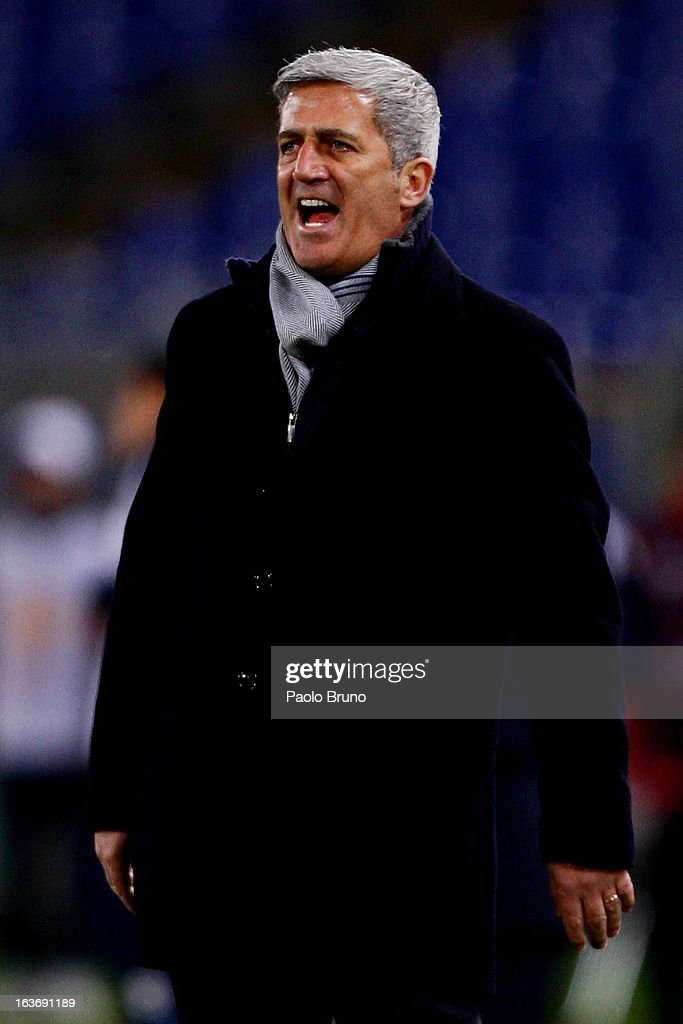 S.S. Lazio head coach Vladimir Petkovic shouts during the UEFA Europa League Round of 16 second leg match between S.S. Lazio and VfB Stuttgart at Stadio Olimpico on March 14, 2013 in Rome, Italy.