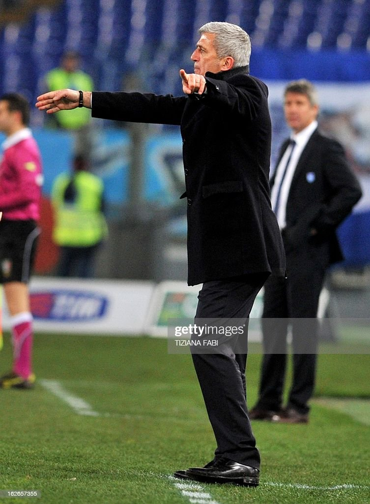 Lazio's Bosnian coach Vladimir Petkovic gestures during the Serie A football match against Lazio at the Olympic stadium in Rome on February 25, 2013.