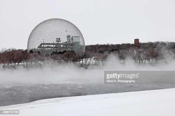 Le biosphère et la tour de Levis - Montréal