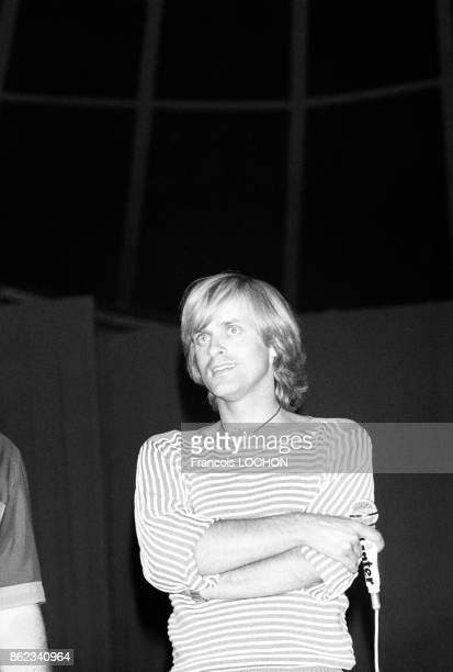 Le chanteur Dave au 10ème anniversaire de l'émission de radio 'Top Inter' en juillet 1976 à Paris France