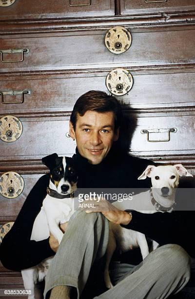 Le danseur Patrick Dupont chez lui en juillet 1999 en France