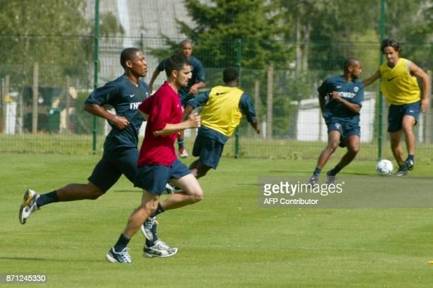 le défenseur José PierreFanFan participe le 22 juillet 2003 au camp des Loges à SaintGermainenLaye à une séance d'entraînement avant la reprise du...