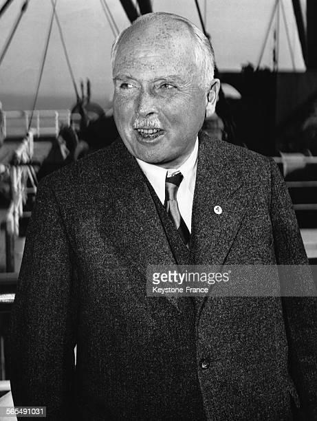 Le duc CharlesEdouard de SaxeCobourg et Gotha président de la CroixRouge allemande en visite aux EtatsUnis ici à San Francisco en Californie le 3...