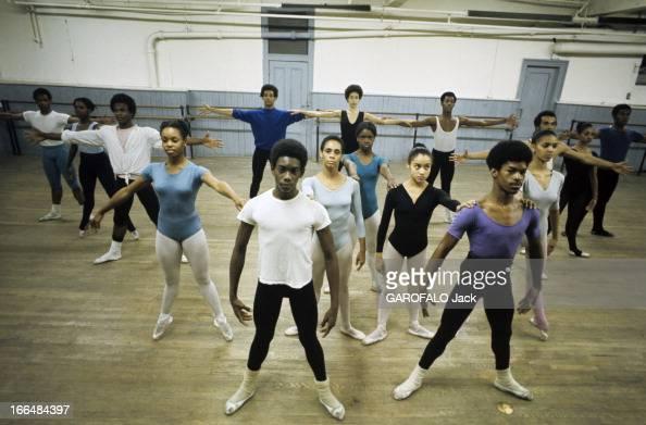 Danse classique stock photos and pictures getty images for Cours de danse classique pour adulte