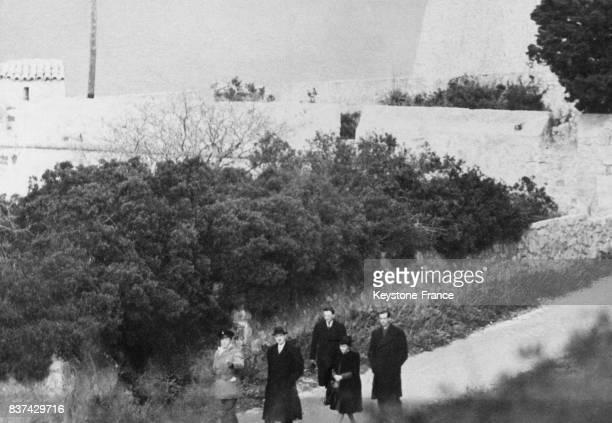Le général Charles de Gaulle et Yvonne de Gaulle en vacances dans le sud de la France en 1946