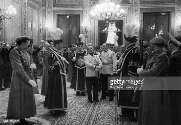 Le Général Franco ouvre la session du Congrès aux Cortes Espanolas circa 1940 à Madrid Espagne