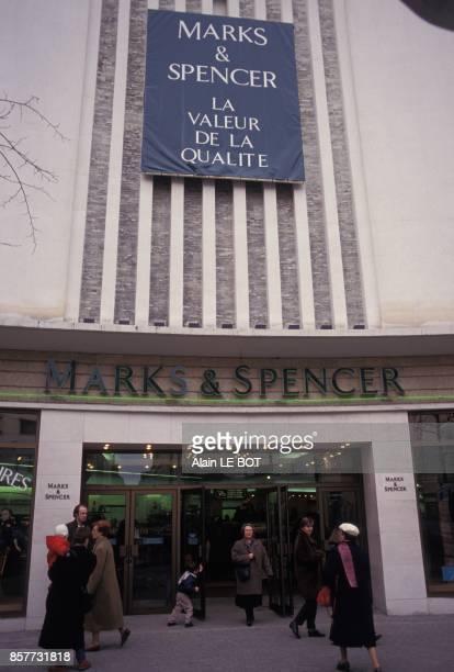 Le grand magasin anglais Marks and Spencer le 25 fevrier 1994 a Nantes France