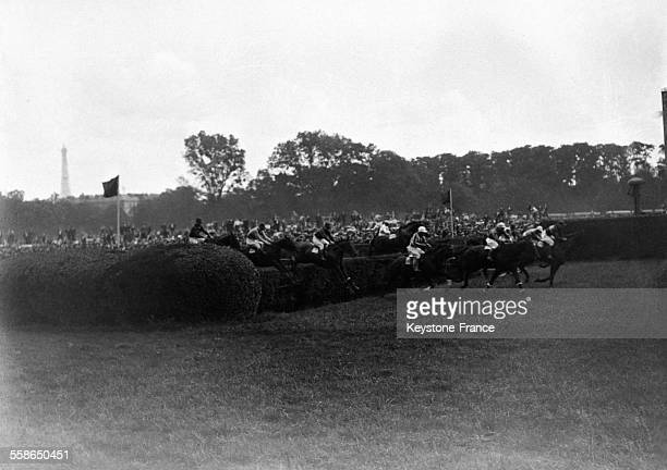 Le grand steeplechase circa 1930 a Paris France