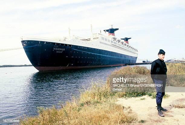 Demonstrations Delays The Departure Of The Norway France ExLiner Le paquebot 'France' est racheté 18 millions de dollars par l'armateur norvégien...
