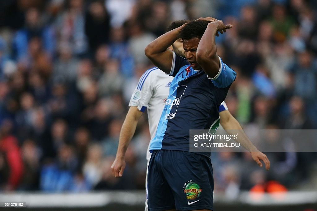 le havre 39 s lys mousset reacts during the french l2 football match pictures getty images. Black Bedroom Furniture Sets. Home Design Ideas