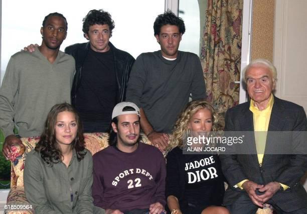 le jeune réalisateur français Gilles PaquetBrenner qui vient de recevoir le prix Michel d'Ornano pour son premier long métrage 'Les Jolies Choses'...