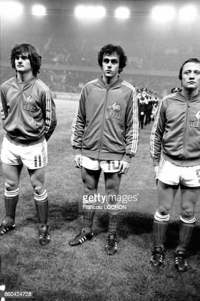 Le joueur de football français Michel Platini lors de l'un de ses premiers Matchs France/Irlande le 17 novembre 1976 à Paris France