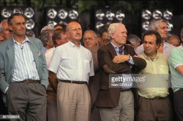 Le journalise Claude Cabanes et le secretaire general de la CGT Henri Krasucki a la Fete de l'Humanite le 14 septembre 1991 a La Courneuve France