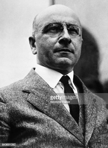 Le médecin et Prix Nobel français Alexis Carrel chirurgien et chercheur circa 1930 en France