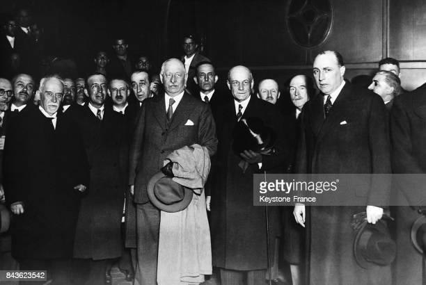 Le ministre de l'instruction André Mallarmé reçu par l'ambassadeur de France à Madrid Espagne le 13 mars 1935