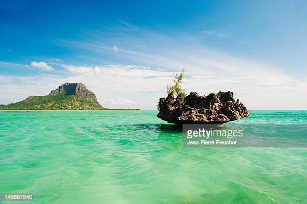 Le Morne mountain, from Benitiers island