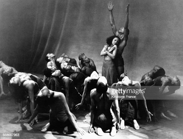 Le premier ballet de danseurs exclusivement noirs au 'Lafayette Theater' de Harlem circa 1930 à New York City NY