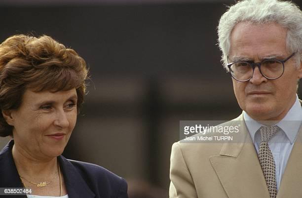 Le premier ministre Edith Cresson avec le ministre de l'Education Nationale Lionel Jospin dans l'académie de Reims France lors de la rentrée scolaire...
