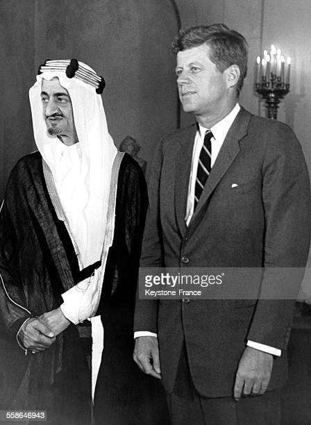 Le Prince héritier Faiçal ministre des affaires étrangères d'Arabie Saoudite invité par le président Kennedy à la MaisonBlanche à Washington DC...