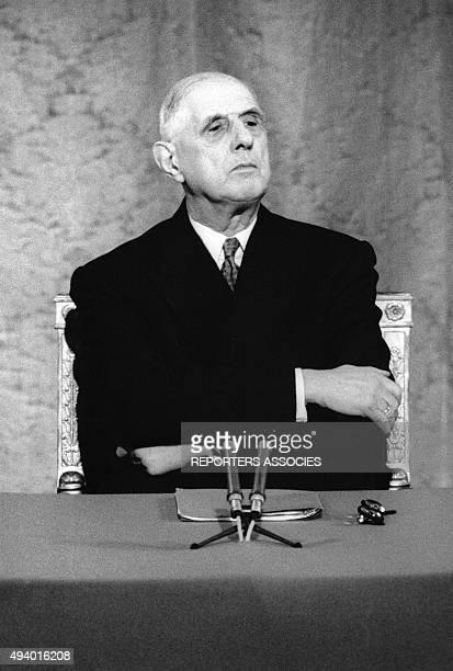 Le président de la république française Charles de Gaulle lors d'une conférence de presse