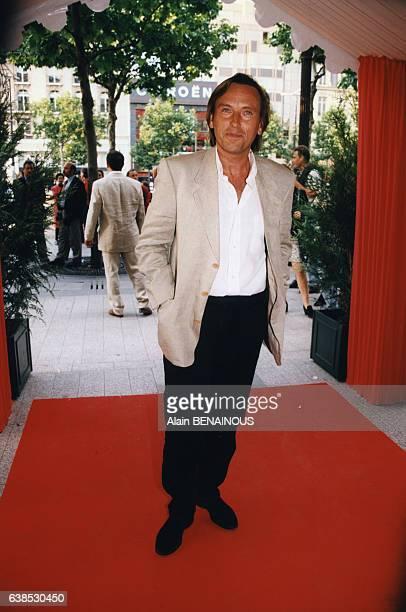 Le réalisateur Alexandre Arcady à la première du film 'Soleil' réalisé par Roger Hanin le 3 juin 1997 à Paris France