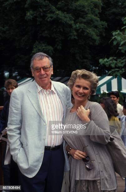 Le realisateur Roger Vadim et son epouse l'actrice MarieChristine Barrault sont venus assister au tournoi de tennis a Roland Garros mai 194 Paris...