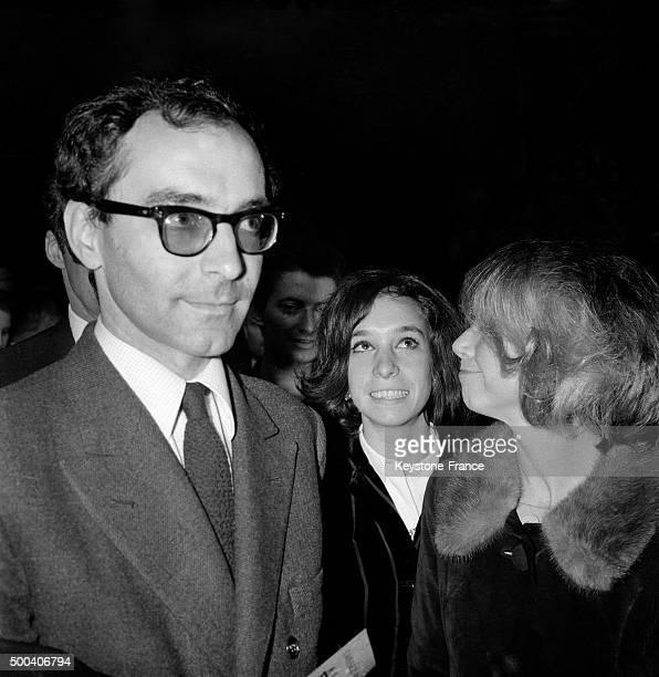 Le realisateur suisse JeanLuc Godard lors de la premiere du film 'Alphaville' en 1965