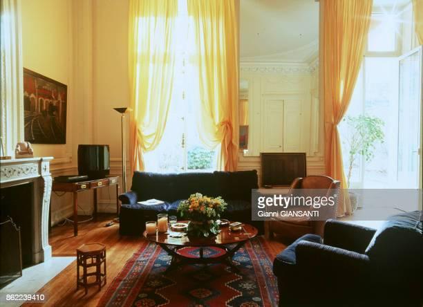Le salon de Françoise Sagan à Paris le 8 mars 2000 France