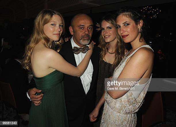 Lea Seydoux Shoe designer Christian Louboutin Eugenie Niarchos and Tatiana Santo Domingo attend the Vanity Fair and Gucci Party Honoring Martin...