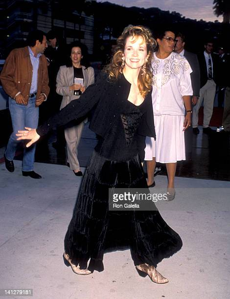 Lea Thompson at the Premiere of 'Back to the Future Part III' Cineplex Odeon Cinemas Universal City