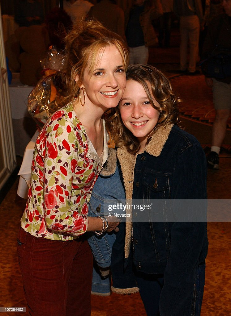 event lea thompson visits extra