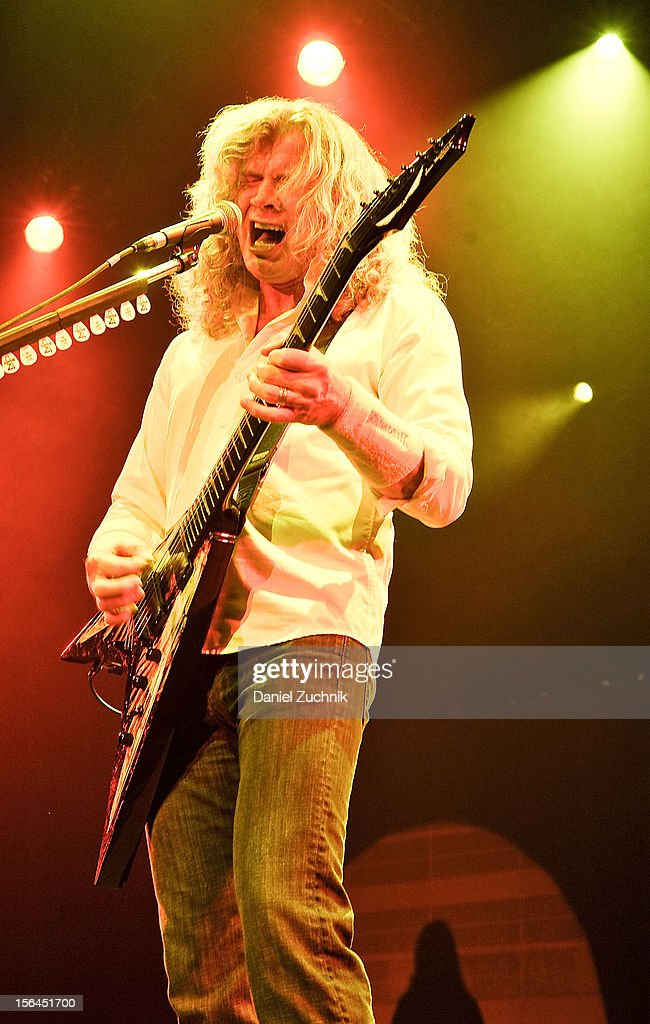 Lead singer Dave Mustaine of Megadeth performs at Best Buy Theater on November 14, 2012 in New York City.