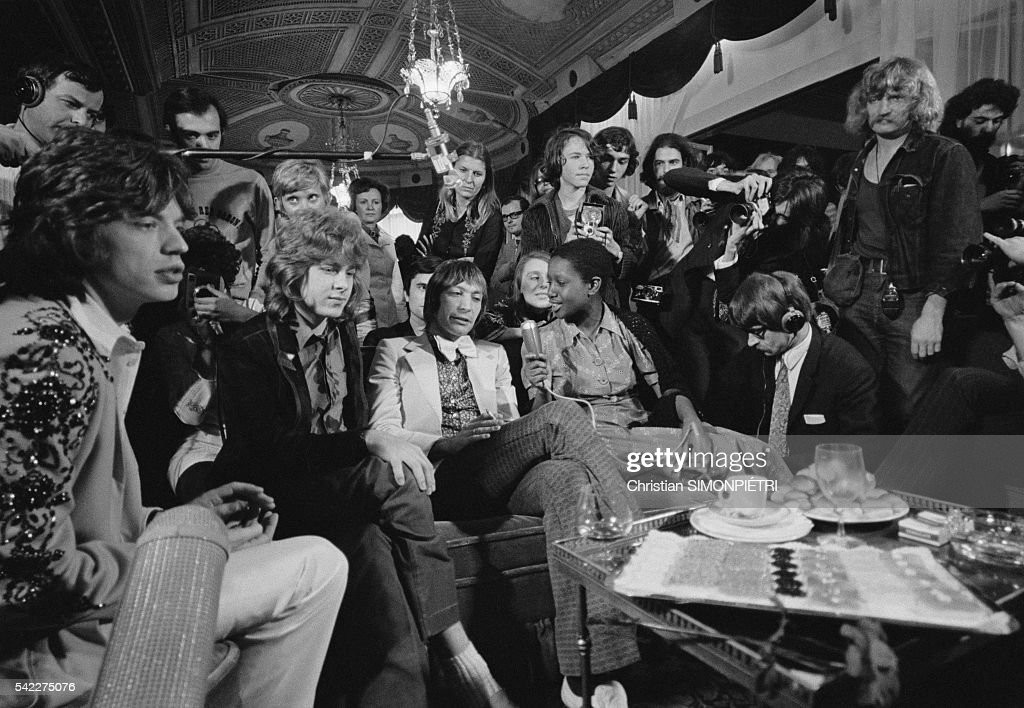 Lead singer of The Rolling Stones Mick Jagger (L), Mick Taylor and drummer Charlie Watts attend a press conference in Paris. The group are performing three concerts in Paris.