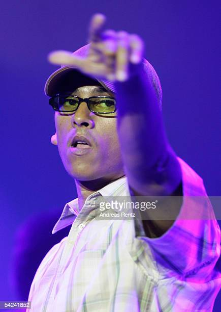 Lead Singer Xavier Naidoo of the Band 'Soehne Mannheims' performs on stage during the German Radio Awards 2005 at the Tempodrom Hall September 2 2005...